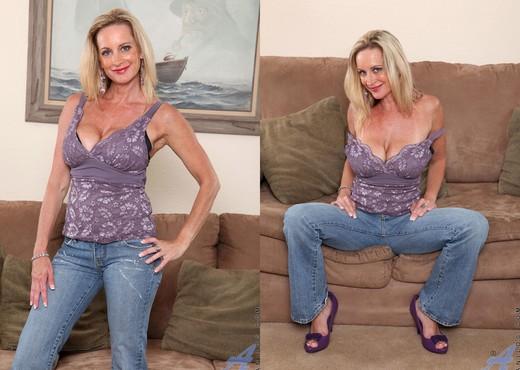 Cassy Torri - Living Room - Anilos - MILF Nude Pics