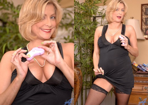Lya Pink - Evening Attire - Anilos - MILF Image Gallery