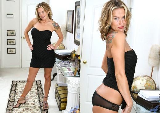 Jolie - Black Dress - Anilos - MILF Nude Pics