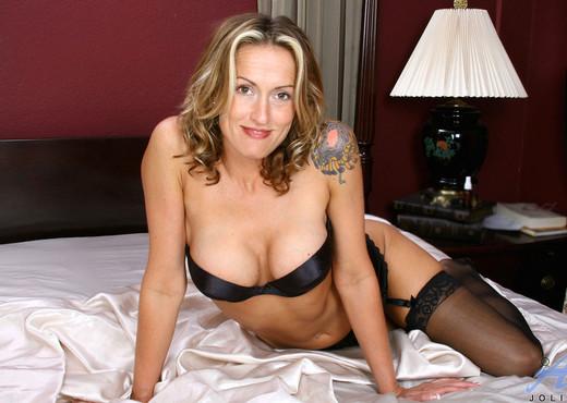 Jolie - Bed Fun - Anilos - MILF Sexy Photo Gallery