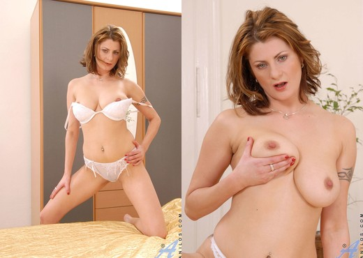 Maiky - Bed Fun - Anilos - MILF HD Gallery