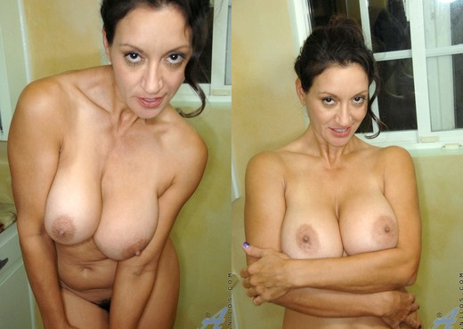 Persia Monir - Shower Masturbation - MILF Hot Gallery