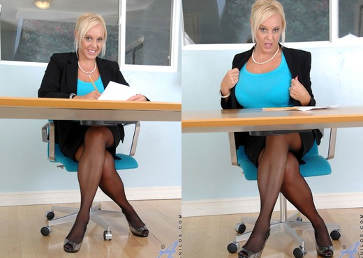 Alexis Golden - Office Therabbit - MILF Nude Gallery