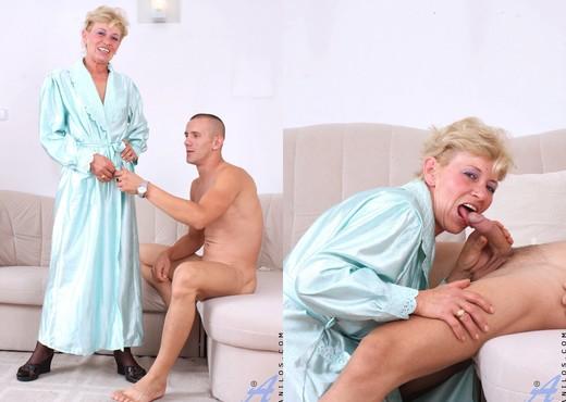 Susan Lee - Hardcore - Anilos - MILF Nude Pics