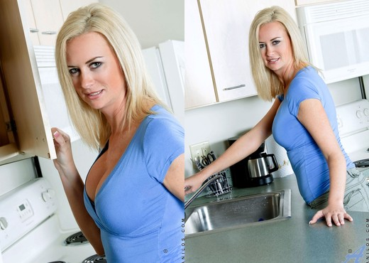 Camryn Cross - Kitchen - Anilos - MILF Nude Gallery