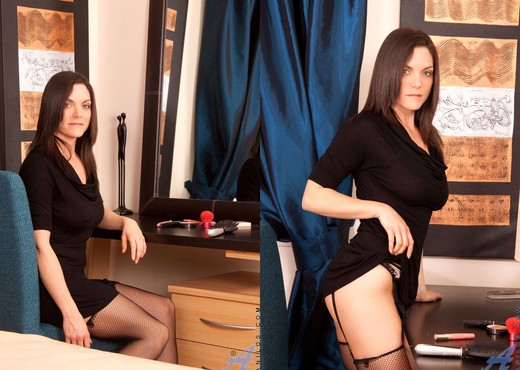 Rebekah Dee - Pantyhose - Anilos - MILF Sexy Gallery