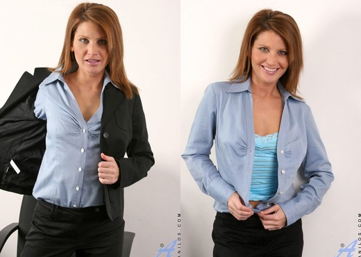 Rae Rodgers - Office - Anilos - MILF Sexy Gallery