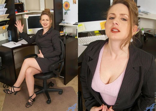Midori - Office Work - Anilos - MILF HD Gallery