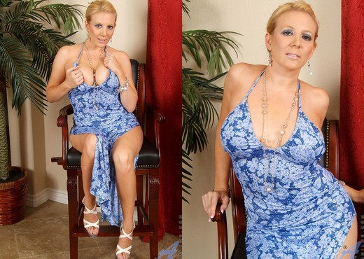 Kara Nox - Necklace - Anilos - MILF Sexy Gallery