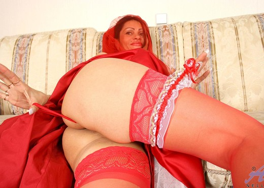 Nelli - Red Bride - Anilos - MILF HD Gallery