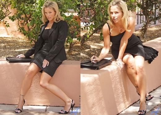 Kayla Synz - Milf Secretary - MILF Hot Gallery