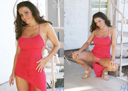 Victoria Valentino - Lady In Red - MILF TGP