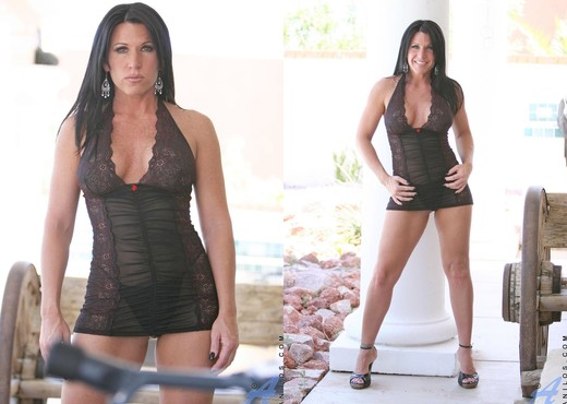 Kendra Secrets - Hot Momma - MILF Picture Gallery