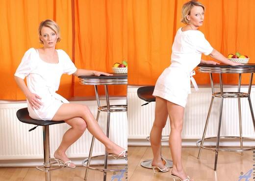 Daniela - Breast Pump Milf - MILF Nude Gallery