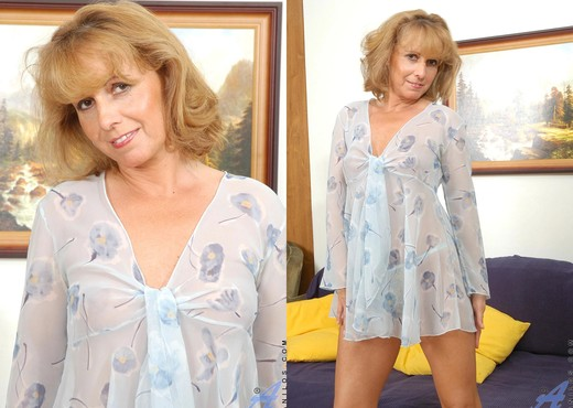 Koko - Nighties - Anilos - MILF TGP