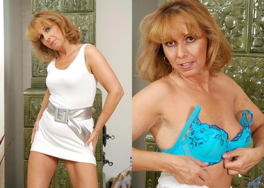 Koko - Dildo Lover - Anilos - MILF Hot Gallery