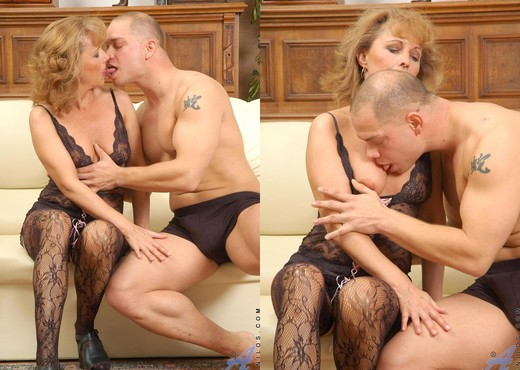 Koko - Hardcore Milf - Anilos - MILF Nude Pics