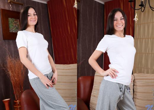 Darya - Nubiles - Teen Solo - Teen HD Gallery