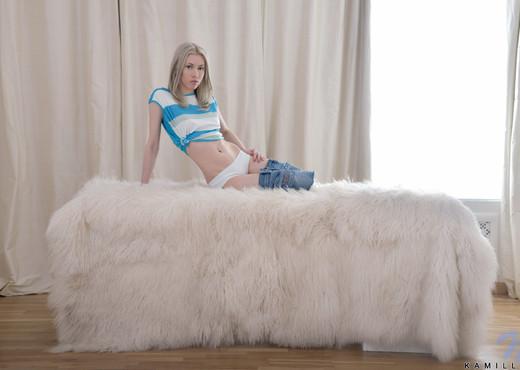 Kamilla - Nubiles - Teen Solo - Teen Hot Gallery