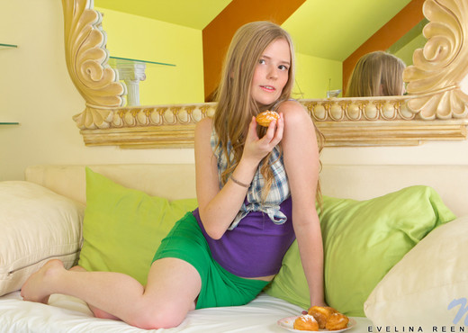 Evelina Reene - Nubiles - Teen Sexy Photo Gallery