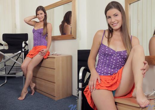 Xenia - Nubiles - Teen Solo - Teen Image Gallery