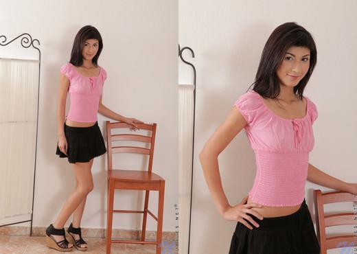 Yvette - Nubiles - Teen Solo - Teen Image Gallery