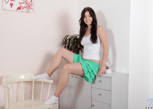 Zara - Nubiles - Teen Solo - Teen Sexy Photo Gallery