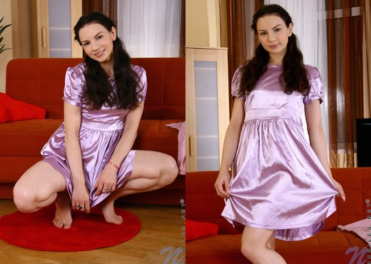 Roberta - Nubiles - Teen Solo - Teen Sexy Photo Gallery