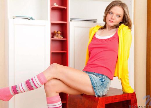 Nicolety - Nubiles - Teen Solo - Teen HD Gallery
