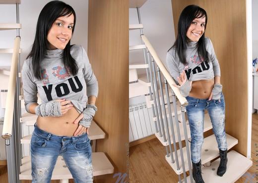 Jenet - Nubiles - Teen Solo - Teen Porn Gallery