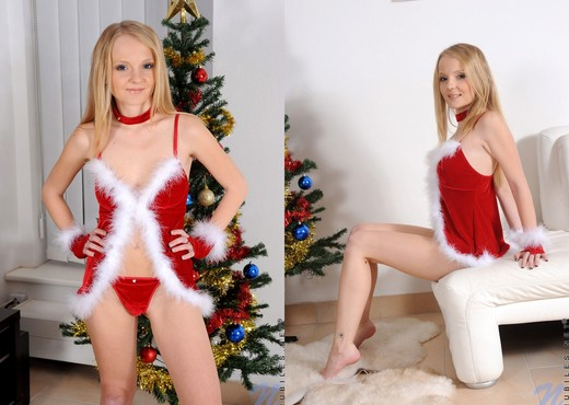 Goldie - Nubiles - Teen Solo - Teen Picture Gallery