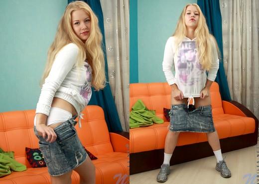 Gaga - Nubiles - Teen Solo - Teen Sexy Gallery