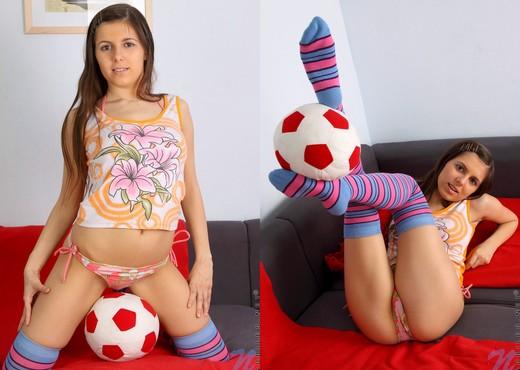 Natosha - Nubiles - Teen Solo - Teen TGP