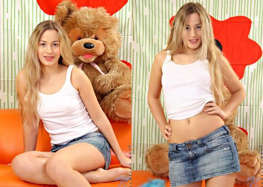 Vova - Nubiles - Teen Solo - Teen Sexy Gallery