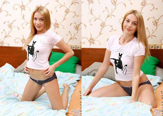 Nadezhda - Nubiles - Teen Solo - Teen HD Gallery