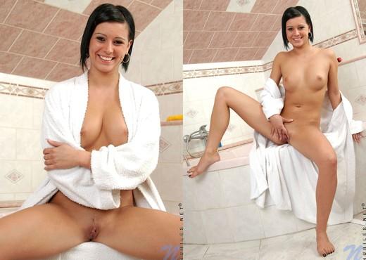 Karin - Nubiles - Teen Solo - Teen Sexy Gallery