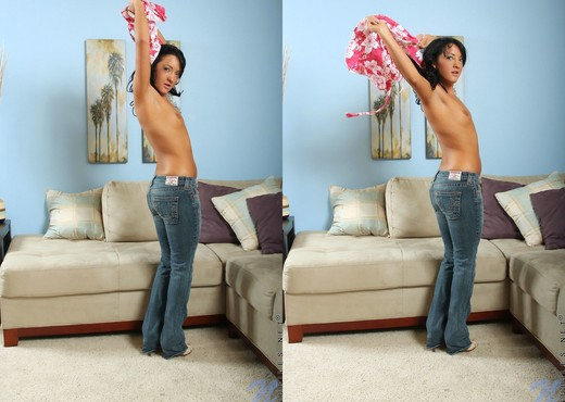 Deanna - Nubiles - Teen Solo - Teen Picture Gallery