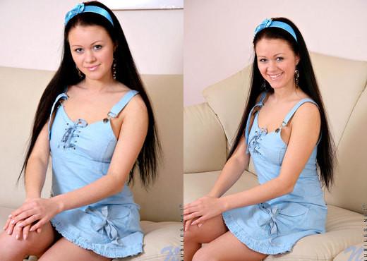 Marcy - Nubiles - Teen Solo - Teen Image Gallery