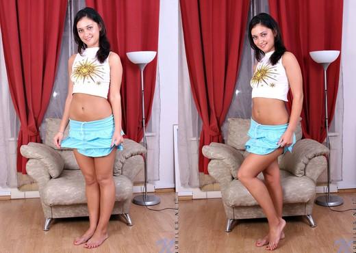 Inus - Nubiles - Teen Solo - Teen HD Gallery