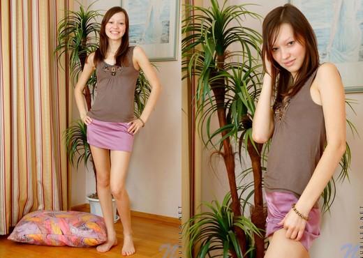 Arianna - Nubiles - Teen Solo - Teen HD Gallery