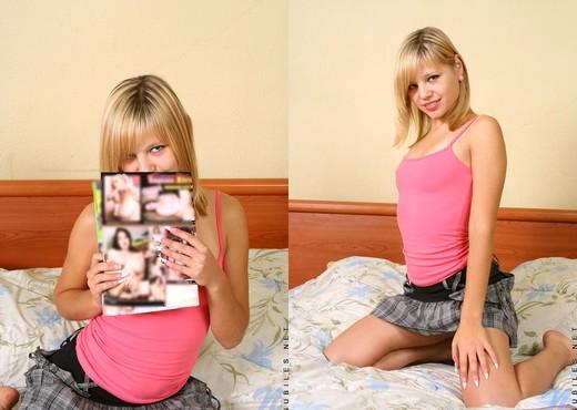 Ametista naked in her bedroom - Nubiles - Teen TGP