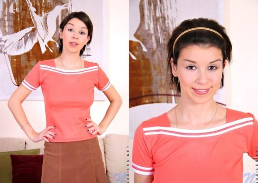 Ananova - Nubiles - Teen Solo - Teen Image Gallery