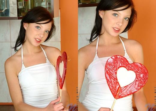 Kristen - Nubiles - Teen Solo - Teen Image Gallery