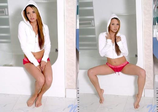Mindy - Nubiles - Teen Solo - Teen Nude Gallery