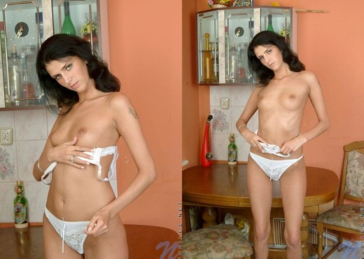 Ola - Nubiles - Teen Solo - Teen Picture Gallery