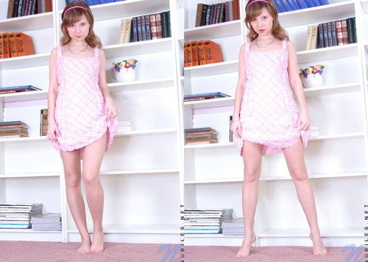 Carley - Nubiles - Teen Solo - Teen Nude Gallery