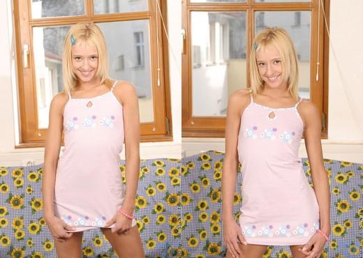 Evalynn - Nubiles - Teen Solo - Teen Sexy Gallery