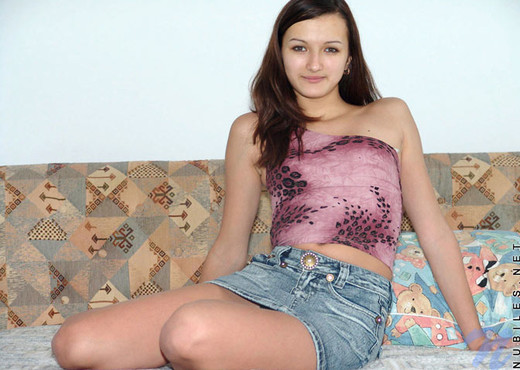 Malvina - Nubiles - Teen Solo - Teen Image Gallery