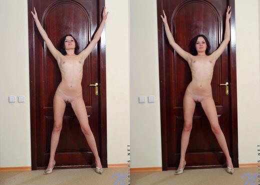 Pavlina - Nubiles - Teen Solo - Teen Sexy Gallery