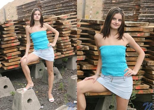 Carolina - Nubiles - Teen Solo - Teen Nude Pics